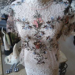 STUNNING Pink SHEER Embroidered FLORAL TOP SZ M